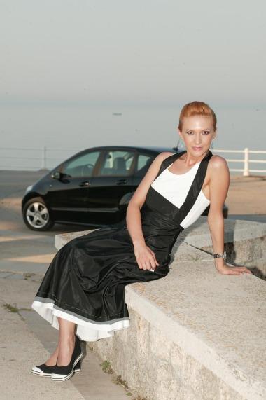 Adela Popescu in pantofi