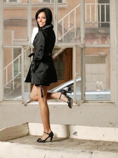 Corina Caragea in pantofi