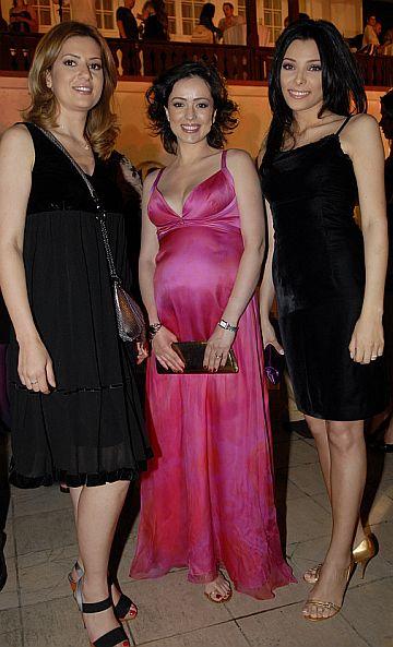 3 in 1: Amalia Enache, Corina Caragea si Olivia Steer in sandale