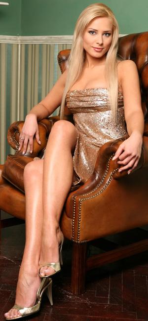 Iulia Vantur in sandale